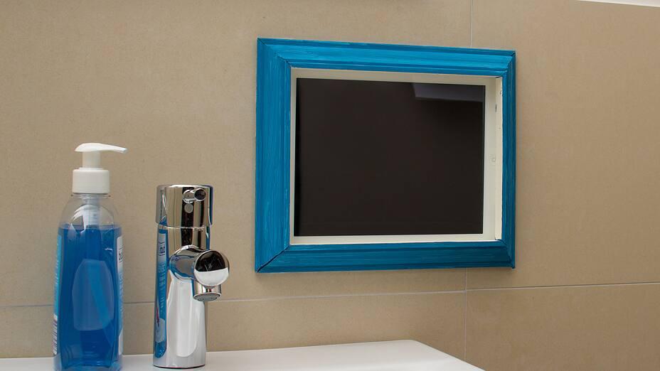 Groovy Smart-TV på badeværelset eller i dit køkken! - tesa NS77