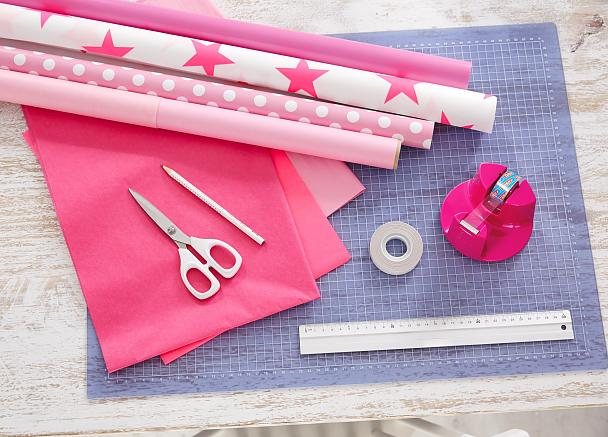 Overview of materials needed for our pompom gift wrapping idea