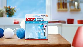 How to use the tesa® Adhesive Hook for Transparent & Glass 0.2kg.