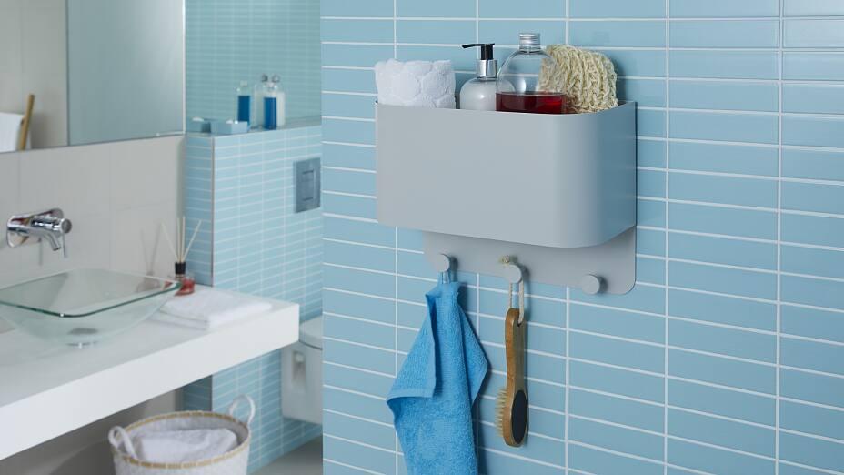 Badezimmer-Wandregal – Befestigen ohne Bohren - tesa