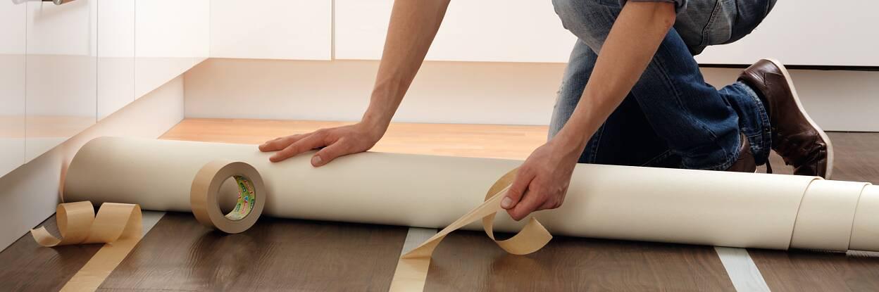 Teppich oder Bodenbelag verlegen – tesa® doppelseitiges Klebeband bietet die ideale Lösung