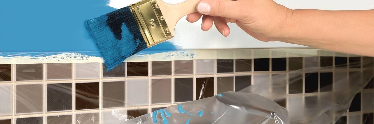 tesa Easy Cover® - Abdeckfolie und Malerband in einem Produkt