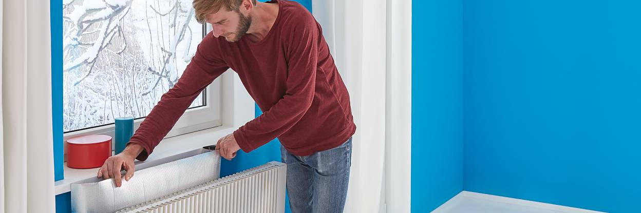 Saving energy and costs by insulating radiators