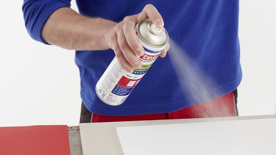 tesa-60021-spray-glue-for-many-applications-step2of4-ap