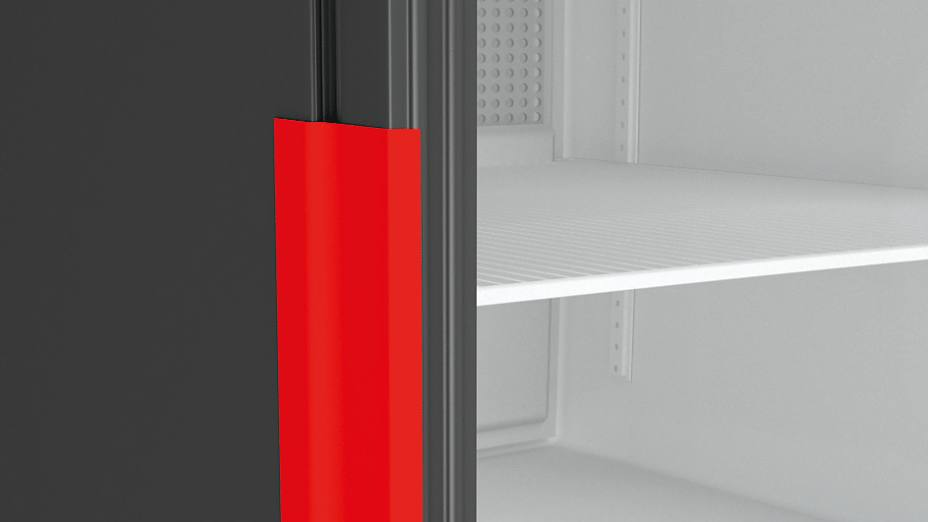 Doors are fixed with strapping tape during transport to avoid damage to door hinges.