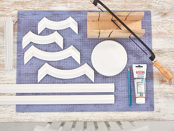 Overview of materials needed for a diy plaster headboard