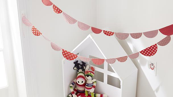 "Party decoration: ""Paper Garlands"""