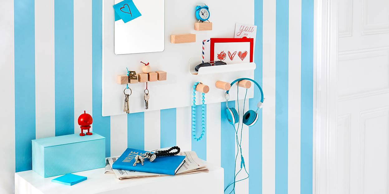Create a wall-mounted key holder!