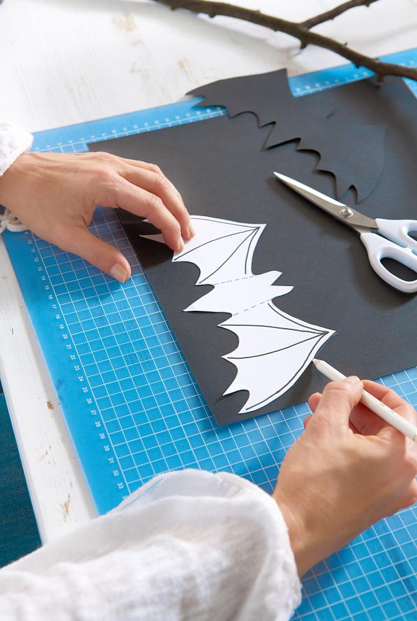 Diy Glitter Bats For Halloween Tesa