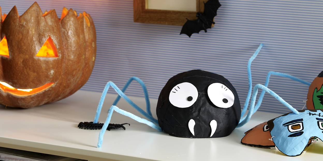 It's not for arachnophobes - but anyone who enjoys a bit of creepy Halloween fun will love this spider so much that they'll go and make one of their own right away.