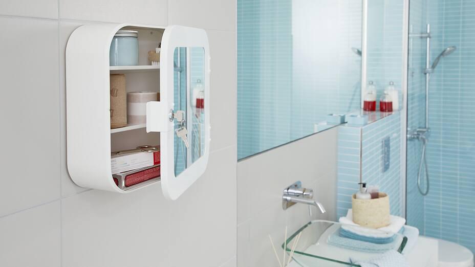 No Drill Bathroom Cabinet Tesa, Hanging Bathroom Cabinets