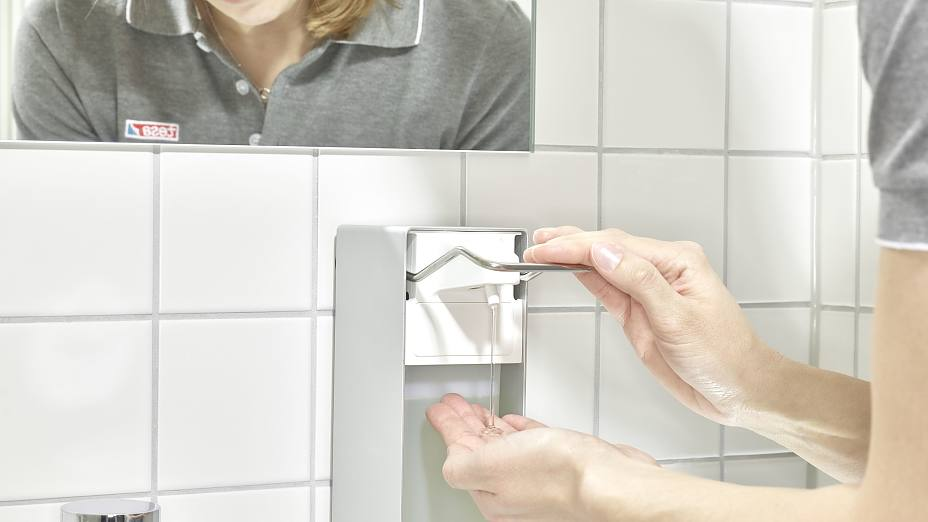 tesa-powerkit-soap-dispenser-for-professional-cleaning-hygiene-industry