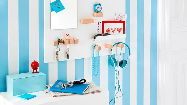 Make a key holder for the wall