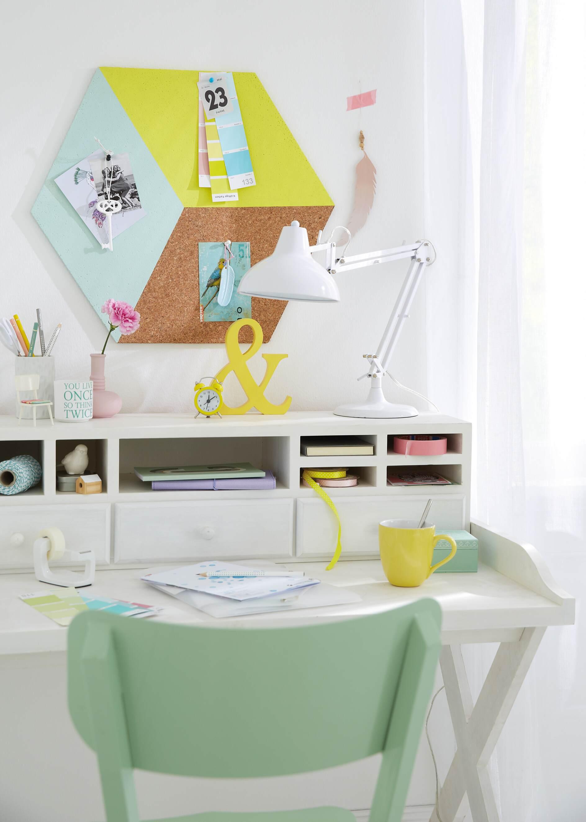 ungew hnliche wanddeko pinnwand in pastell tesa. Black Bedroom Furniture Sets. Home Design Ideas