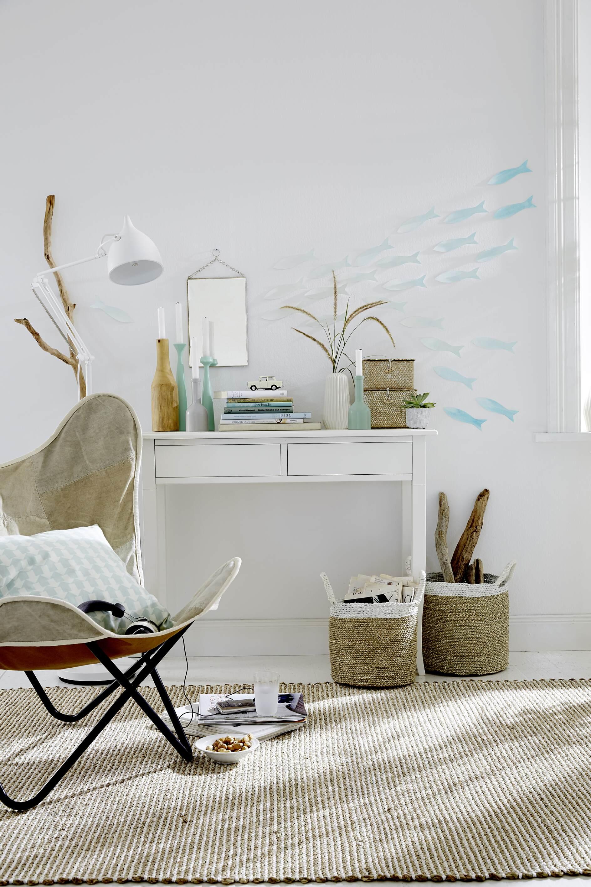 unterwasserwelt fische an der wand tesa. Black Bedroom Furniture Sets. Home Design Ideas