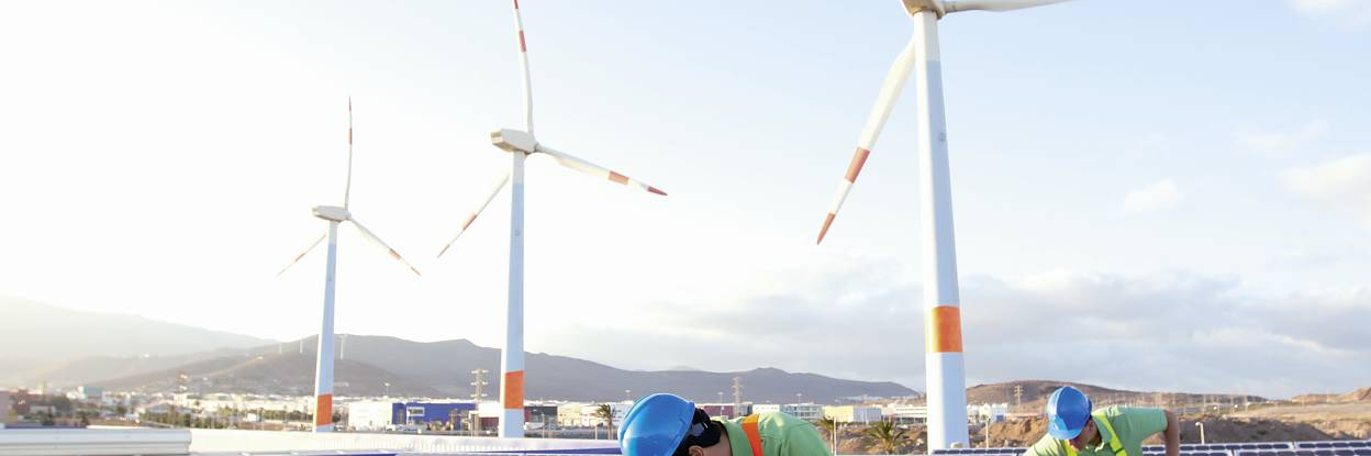 Industri Surya dan Angin