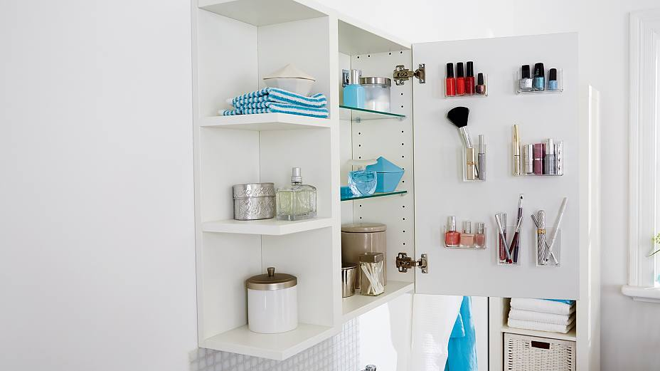 Are your lipstick, nail polish and other cosmetics getting lost on your shelves? If so, keep them in clear acrylic glass containers, attached almost invisibly to the inside of your glass or mirrored cupboard door, using tesa Powerbond® TRANSPARENT.