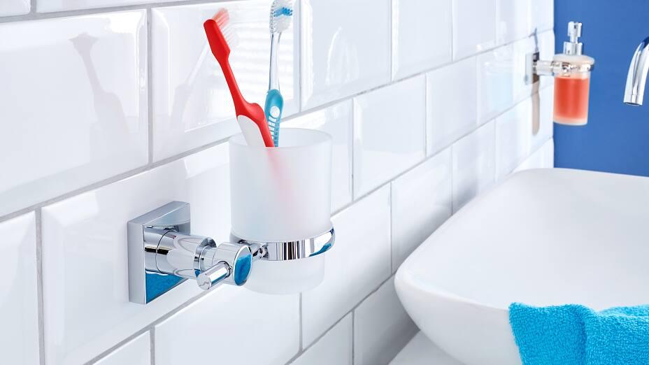 Porta bicchiere per spazzolino da denti tesa