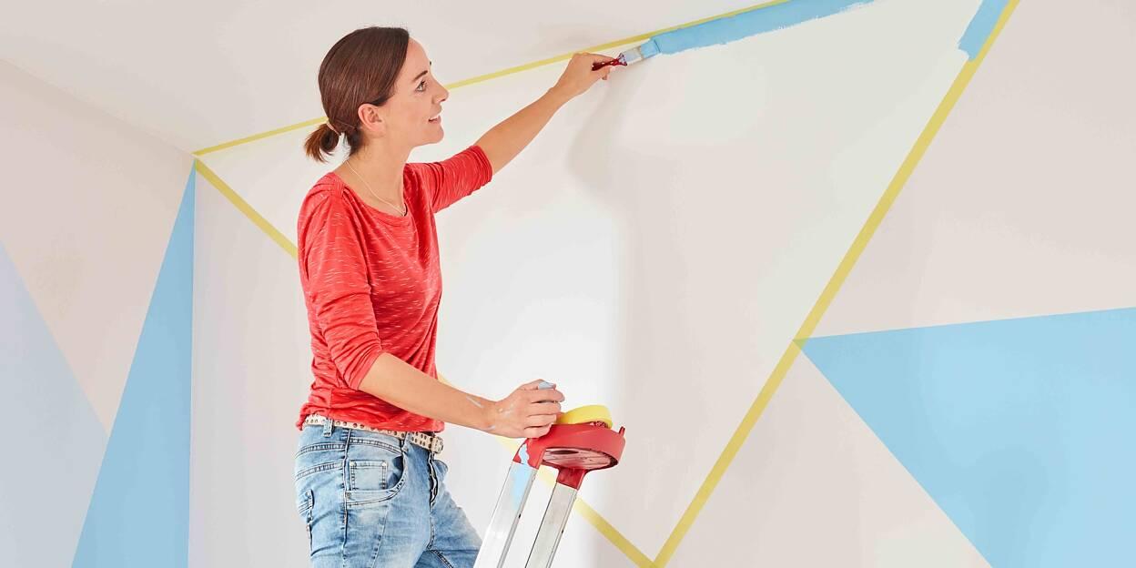 Asymmetrisch patroon op de muur schilderen