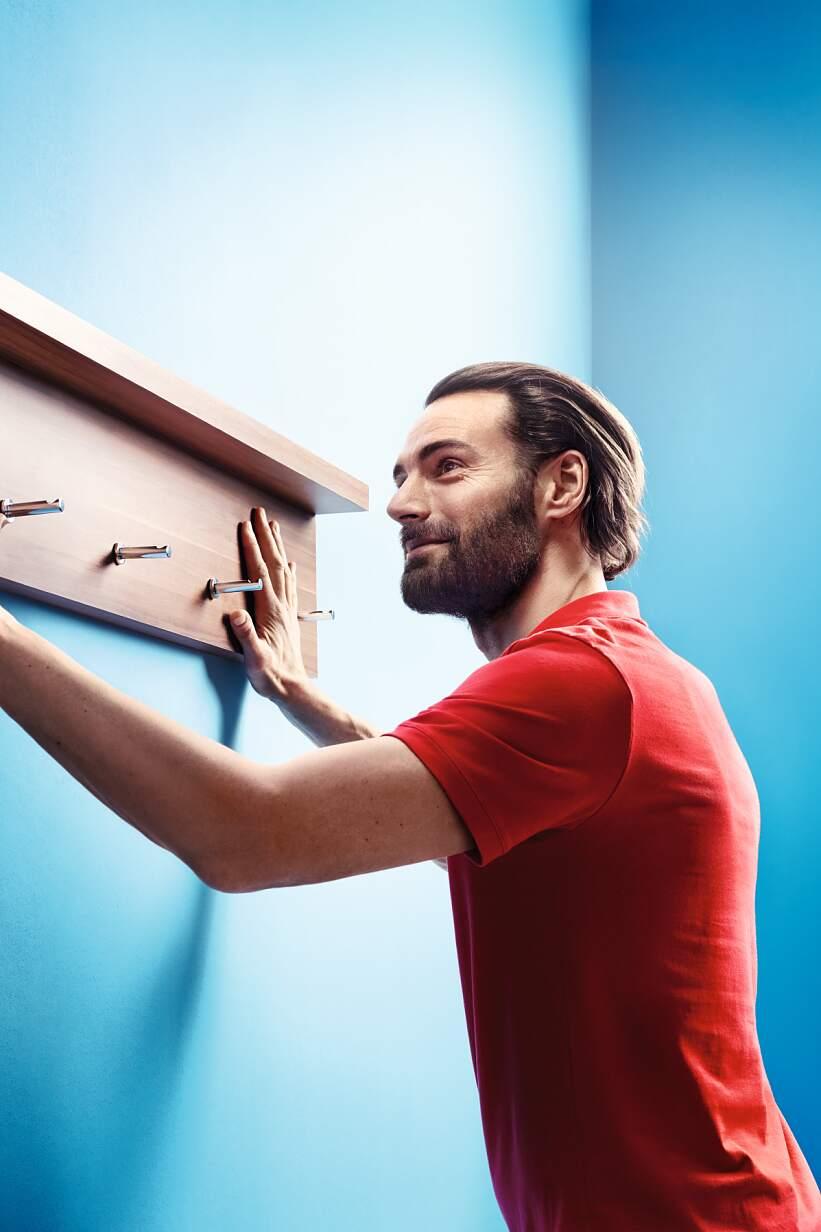 Fitas de montagem biadesivas com forte poder adesivo para fixação segura de objetos (por exemplo, espelhos ou bengaleiros)