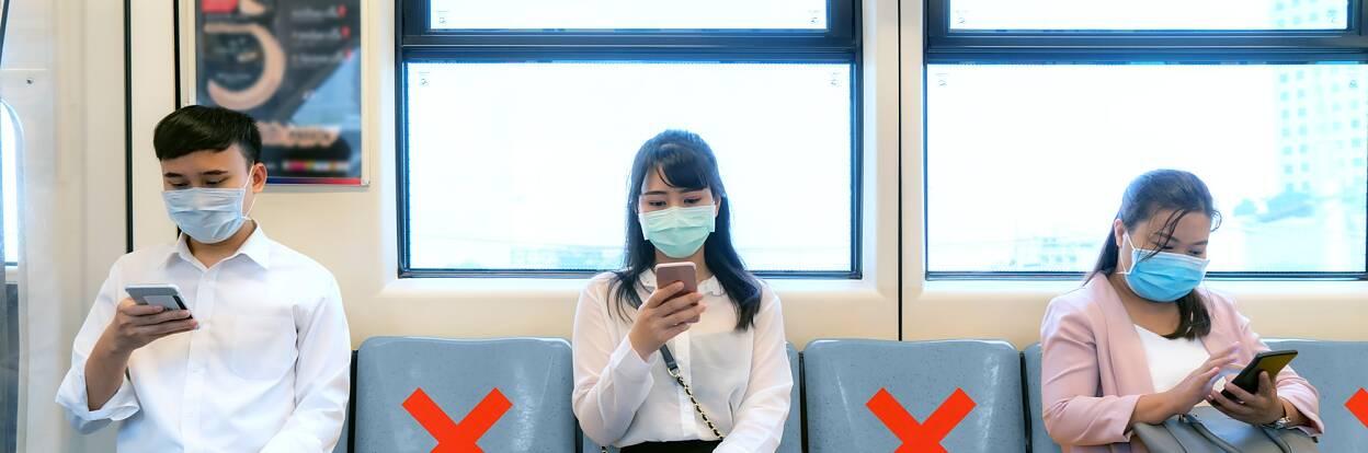 Fitas de distanciamento social em transportes públicos