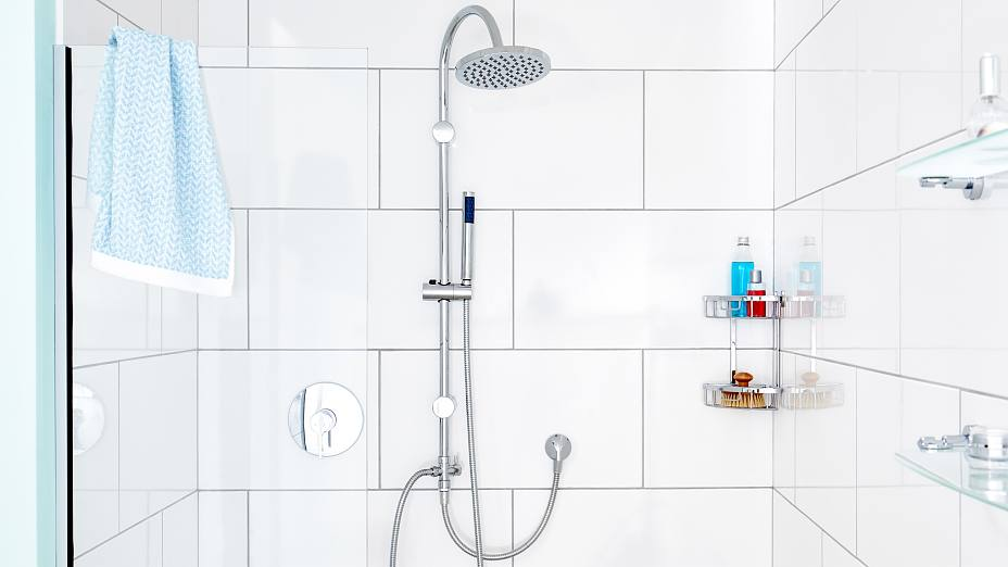 The center piece of your shower. Our minimalistic shower bar designs optimize your shower flow and experience.